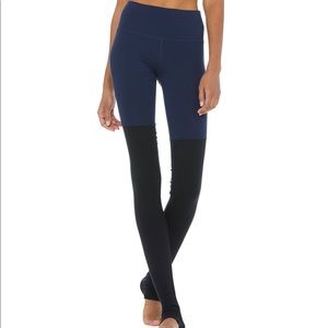 ALO Yoga Goddess Legging Size Medium Navy/black